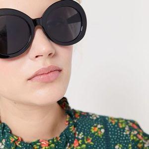 UO Nevermind Retro Oversized Oval Sunglasses